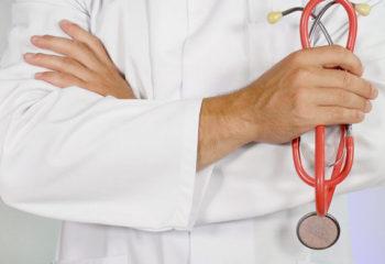 Сколько зарабатывают польские врачи